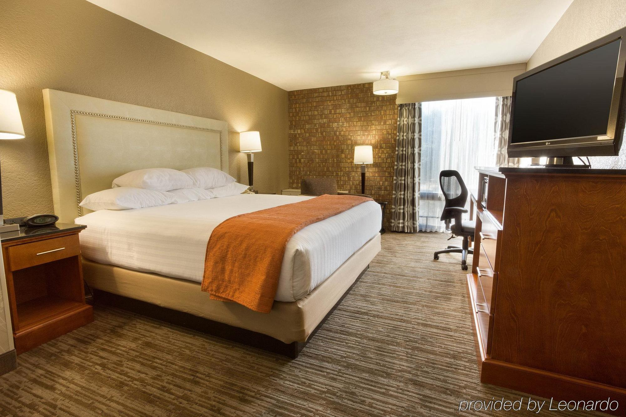 DRURY INN & SUITES AUSTIN NORTH, AUSTIN ***